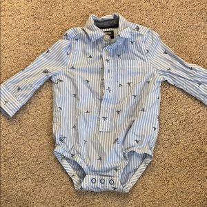 Like new OshKosh B'gosh button front shark shirt.
